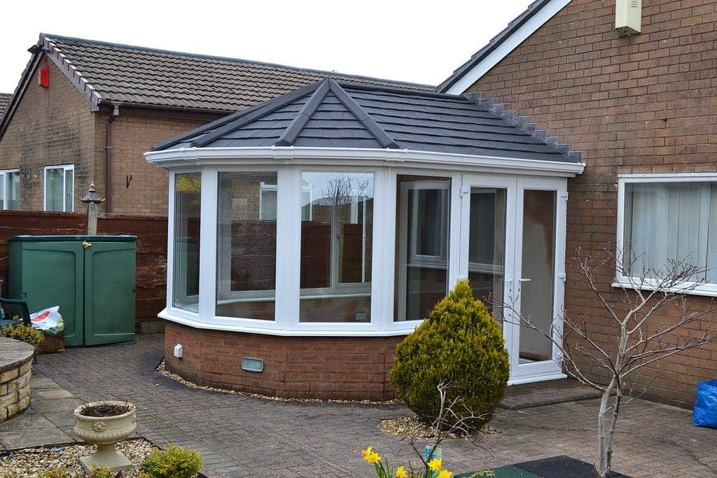 Highseal Manufacturing Company - Solid Roof Conservatory